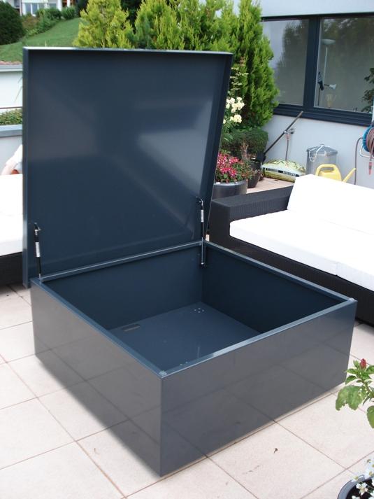 gartenm bel aus metall rohner ag teufen deutsch. Black Bedroom Furniture Sets. Home Design Ideas
